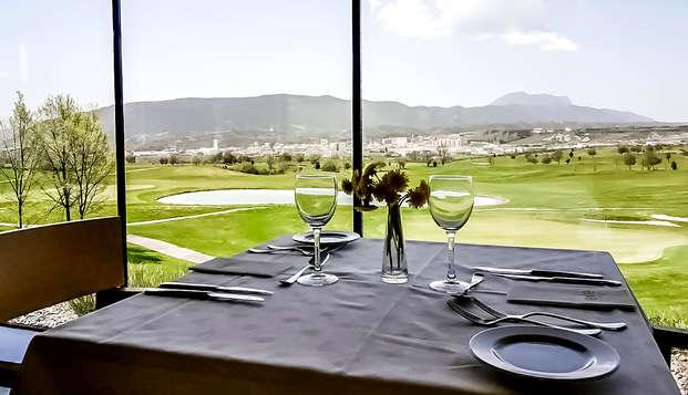 Golf en pareja en el Valle de Tena con cena (desde 2 noches)
