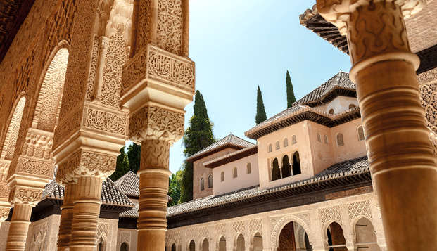 Fin de Semana en Granada: escapada en un Hotel con piscina (2 noches)