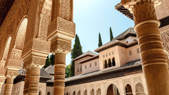 Fin de Semana en Granada: escapada en un hotel con piscina (desde 2 noches)