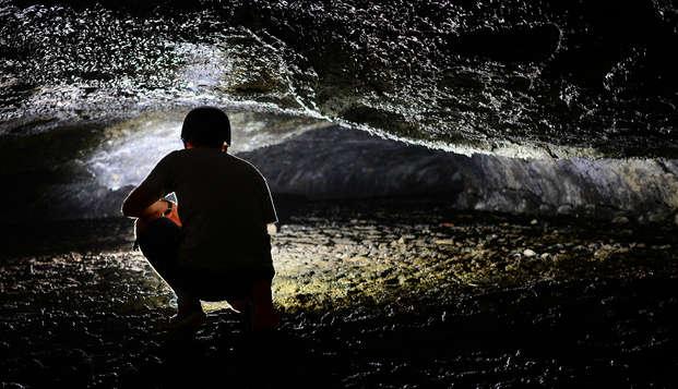 Escapada aventura con espeleología en Cantabria
