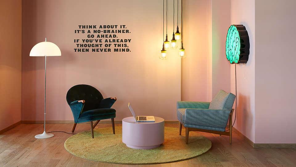 The Student Hotel Groningen - Edit_Lounge.jpg