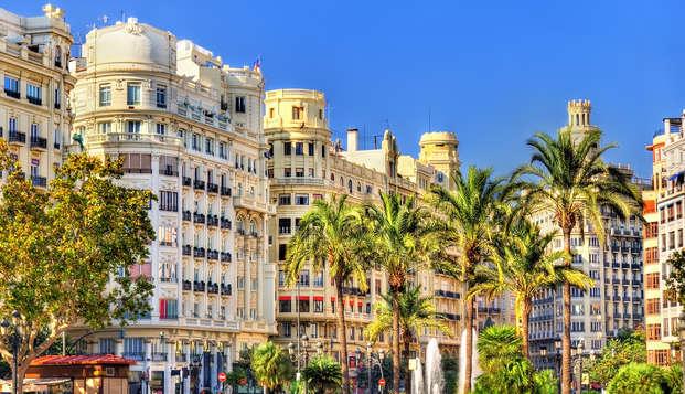 Valencia infinita con desayuno y estancia en un precioso hotel céntrico