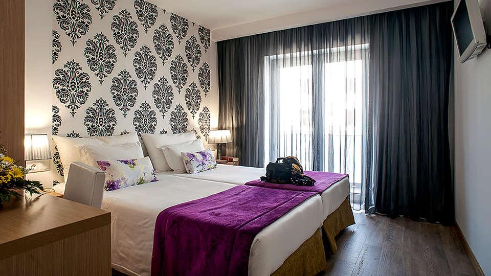 Hotel Genesis - EDIT_NEW_ROOM3.jpg