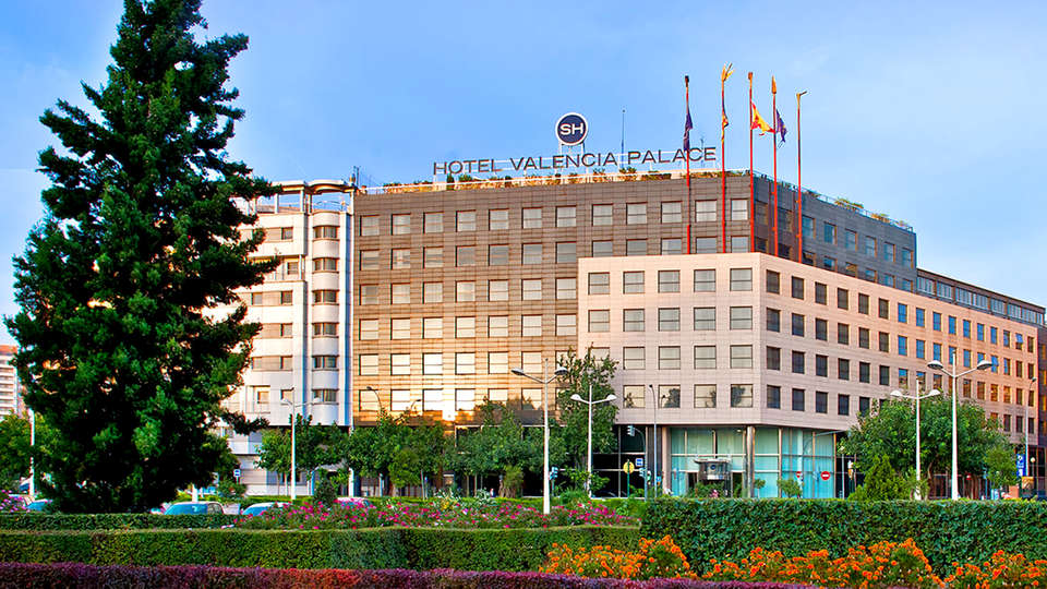 SH Valencia Palace - EDIT_ext.jpg