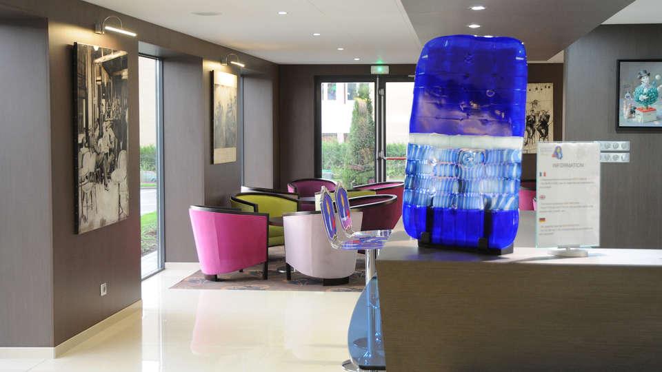 Hôtel Roi Soleil Prestige Saint Avold - Edit_Lobby.jpg