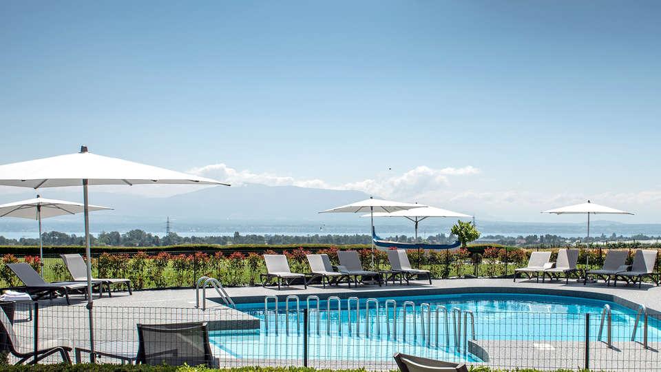 Best Western Hotel Chavannes-de-Bogis - EDIT_N2_POOL.jpg