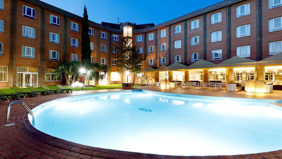 Hotel SB Corona Tortosa - EDIT_N2_POOL3.jpg