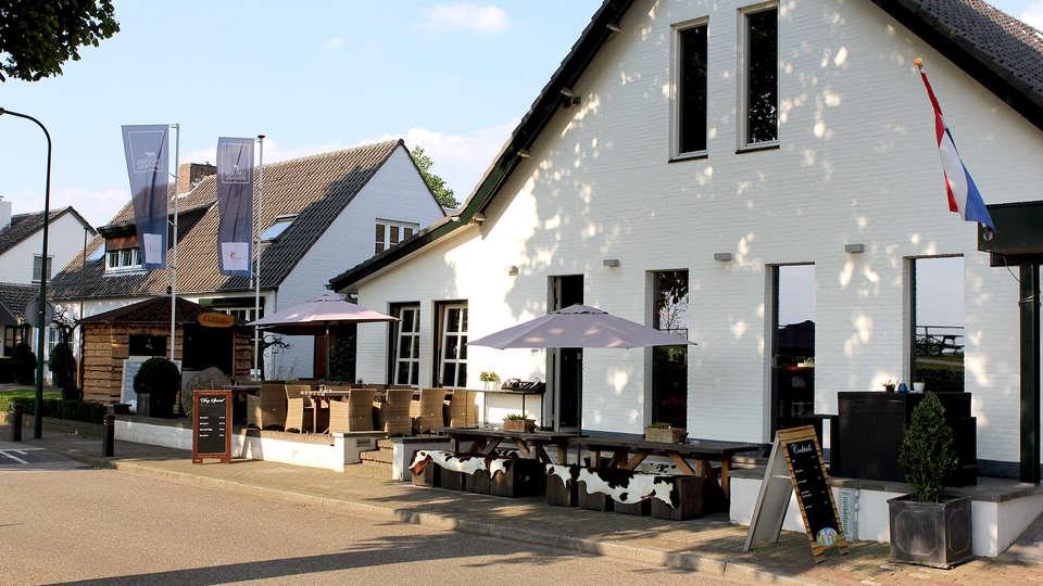 Oolderhof Hotel & Restaurant - Edit_Front.jpg