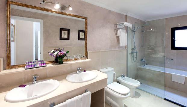Hotel Dona Maria - N BATHROOM