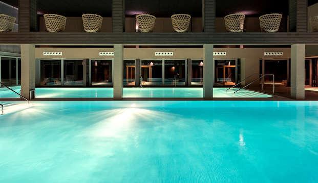 Lujo y relax en un exclusivo balneario con spa, actividades y salida tardía