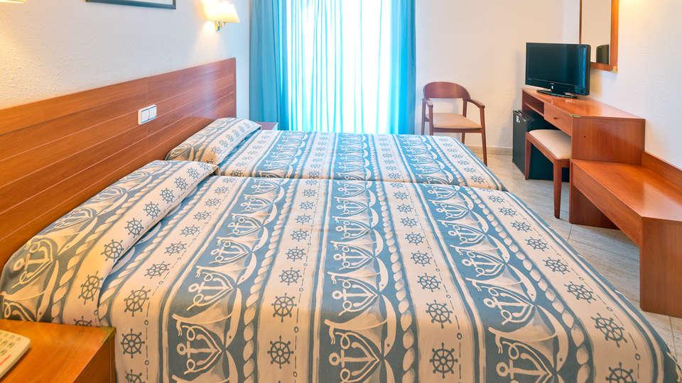 Hotel GHT Maritim - EDIT_NEW_ROOM2.jpg