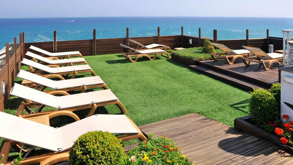Hotel GHT Maritim - EDIT_NEW_TERRACE.jpg