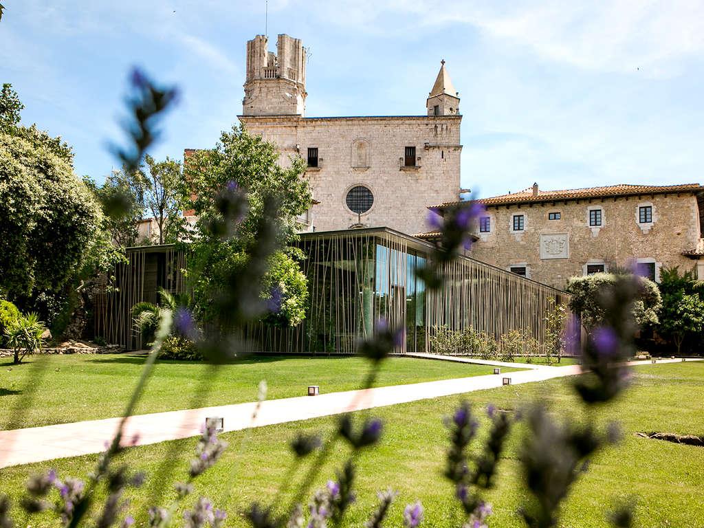 Découvrez la Costa Brava dans un ancien palace du XIVe siècle 4* - 1