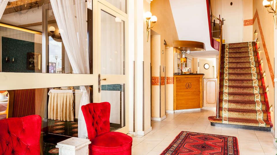 Malecot Boutique Hotel - EDIT_N2_RECEPTION.jpg