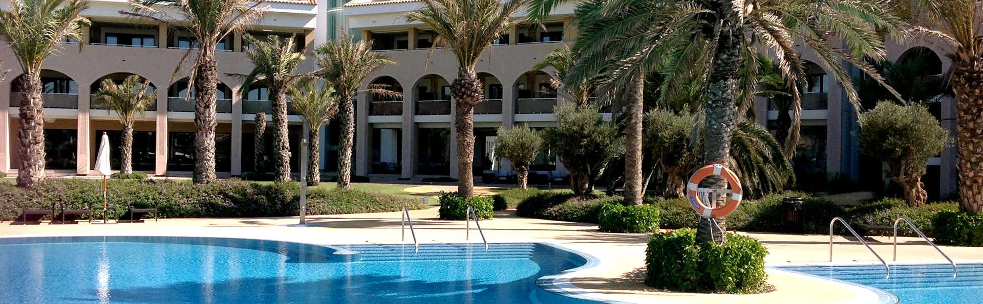 Escapada con cena y spa en resort 5* de lujo en la Costa de Almería