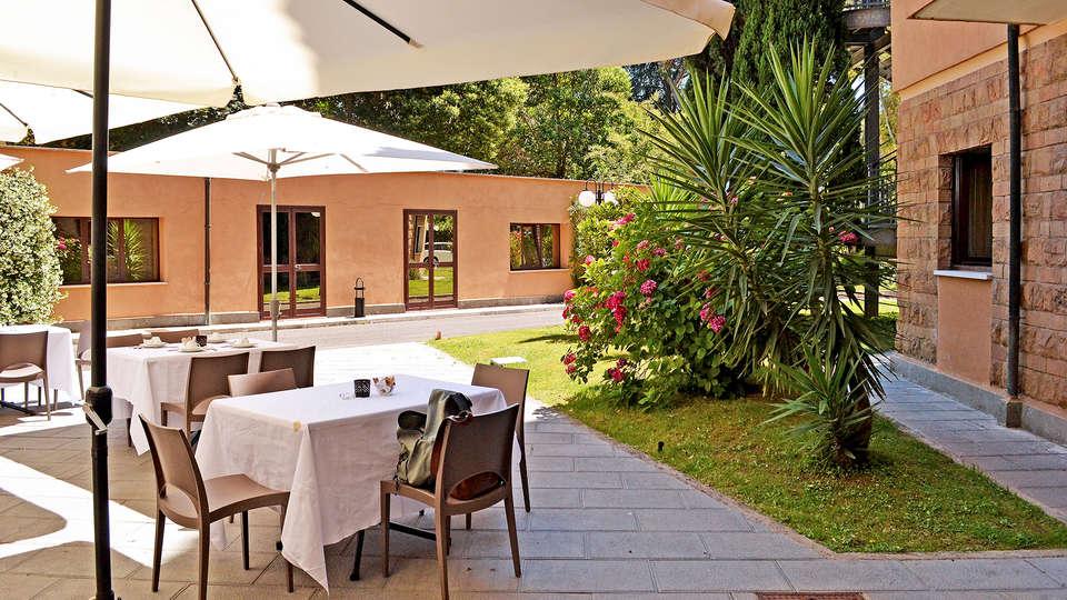 Hotel Cilicia - Edit_Terrace.jpg