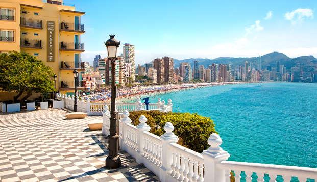 Mediterráneo, sol, playa y media pensión con vistas a Benidorm (desde 3 noches)