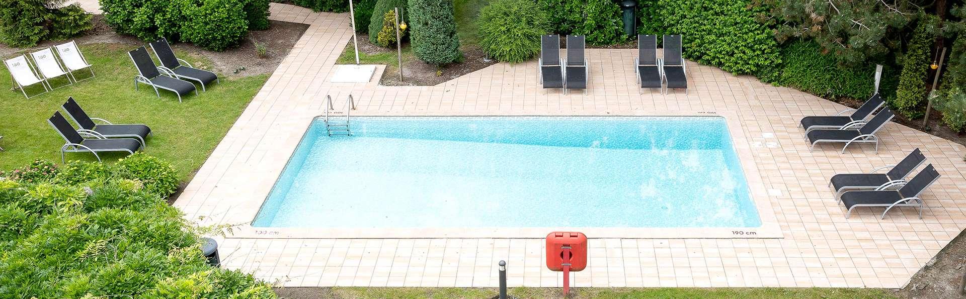Green Park Hotel Brugge - EDIT_NEW_POOL.jpg