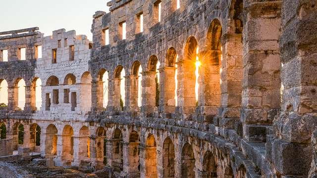 Dormez à Pomezia dans l'Agro Romano et visitez le Colisée