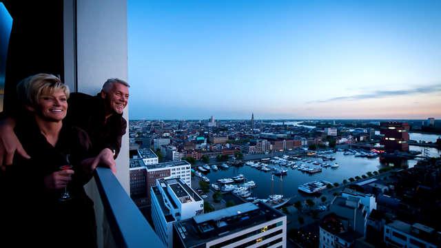 Laat je verwennen en beleef een unieke ervaring in een penthouse met zicht over Antwerpen