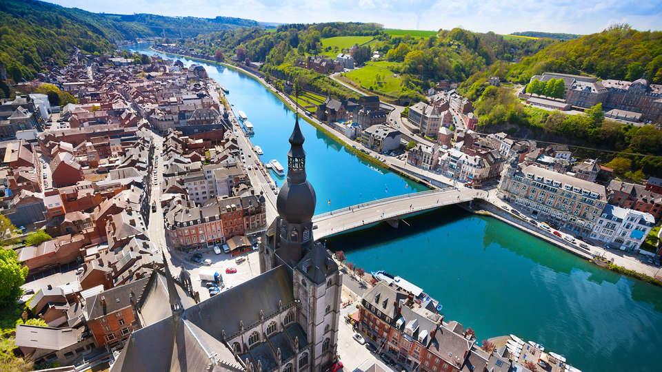 Castel de Pont-a-Lesse - Edit_Dinant2.jpg