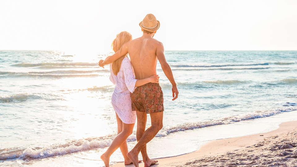 Carlton Beach - edit_romantic79.jpg