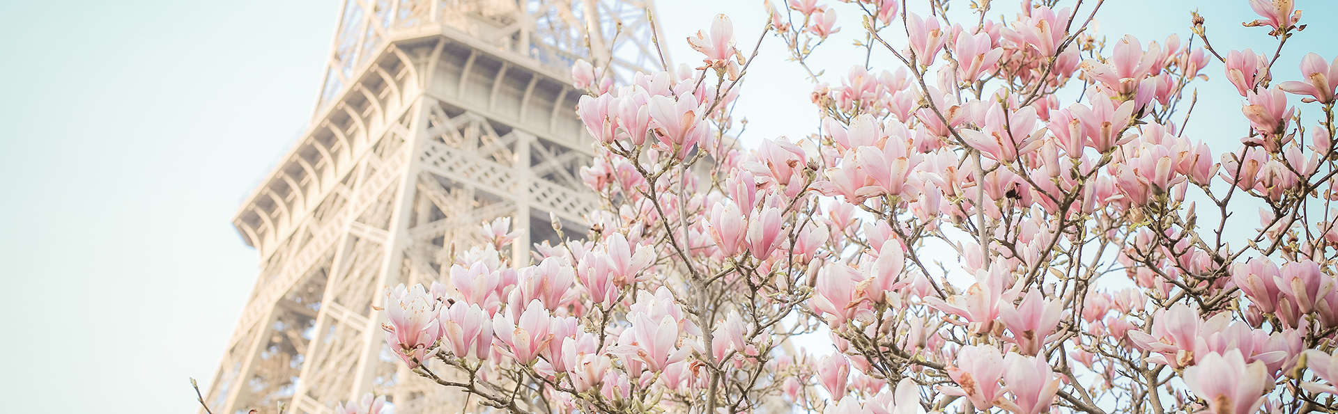 Pause romantique dans la ville Lumière