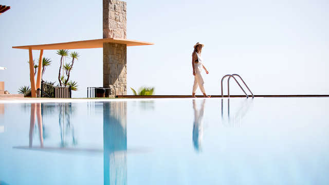 Desconexión con spa en un hotel de lujo con acceso directo a la playa de Santa Cristina