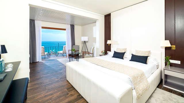 Escapada con vistas al mar, Spa, cava y fruta y salida tardía garantizada en la Costa Brava