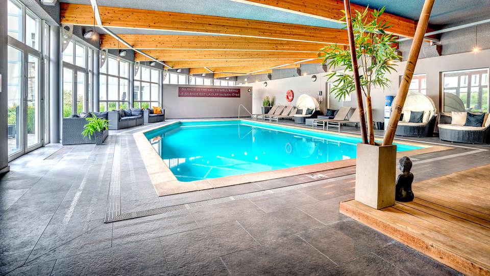 Radisson Blu Balmoral Hotel - EDIT_NEW_POOL.jpg