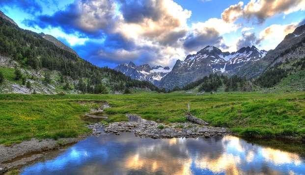 Découvrez le cœur de la Vallée de Tena dans un splendide 4*