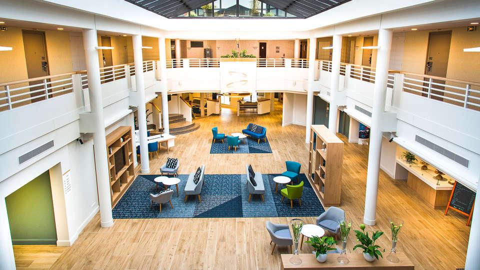 Holiday Inn Calais Coquelles - EDIT_NEW_LOBBY2.jpg