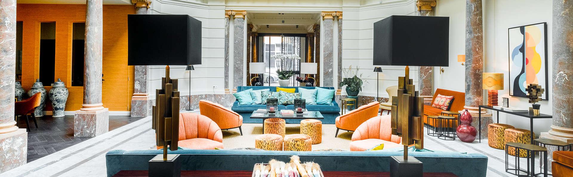 Relais & Châteaux Hotel FRANQ - Edit_Lobby.jpg