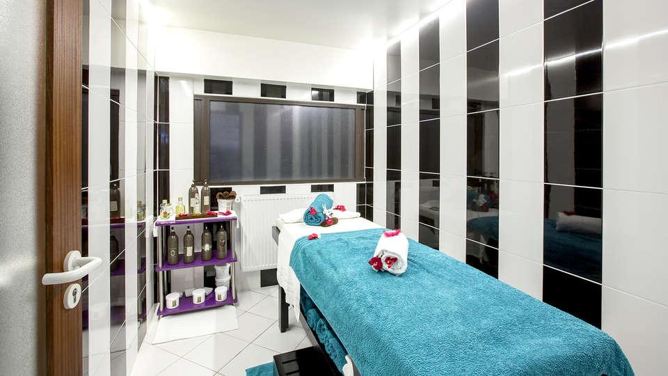 Hôtel Gran Carlina - EDIT_NEW_MASSAGE.jpg