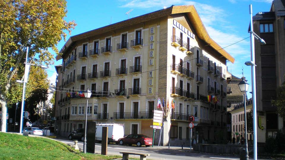 Hotel Mur - EDIT_front.jpg
