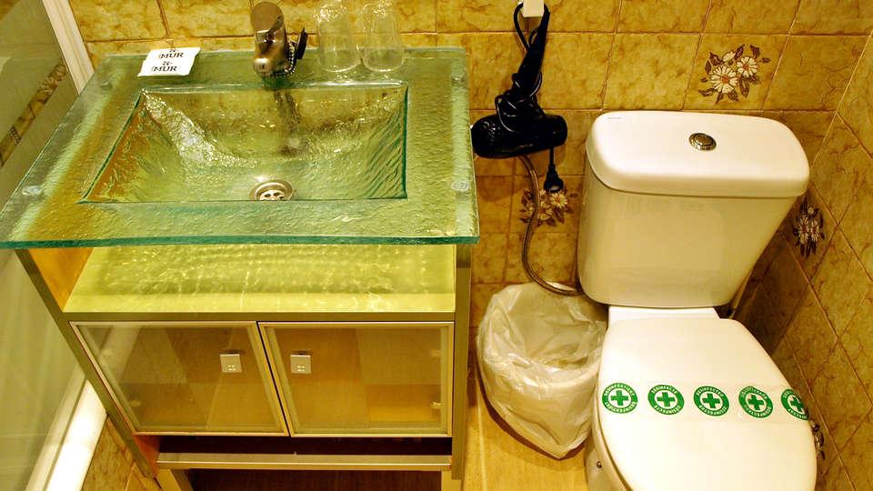 Hotel Mur - EDIT_NEW_BATHROOM.jpg