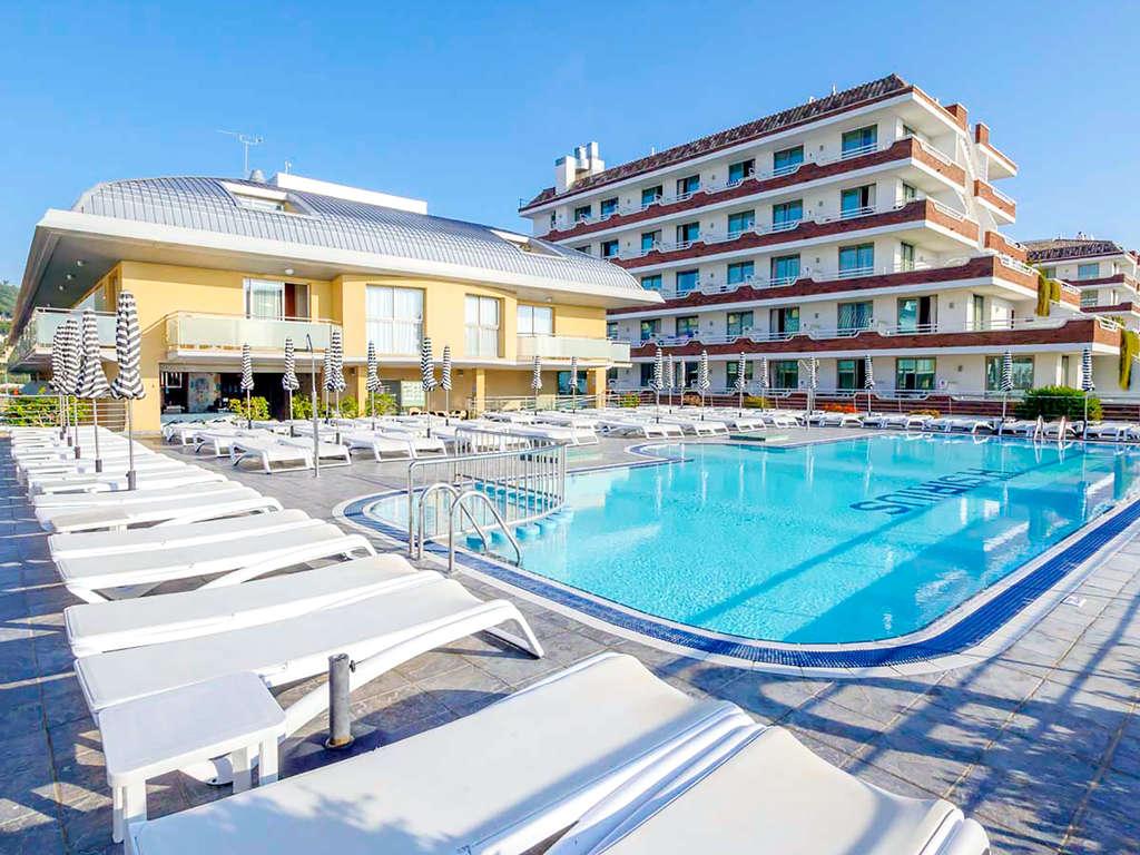 Séjour San Gines - Profitez de votre été en pension complète avec piscine et à quelques mètres de la plage  - 4*