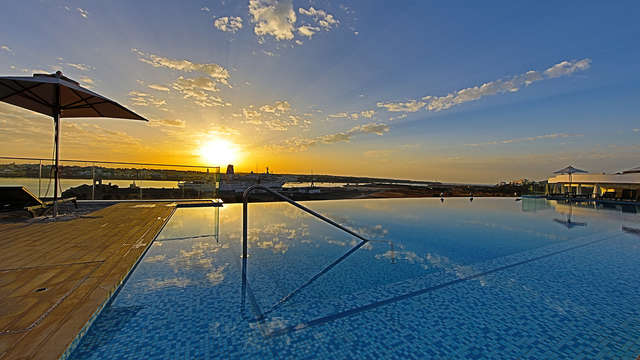 Jupiter Marina Hotel - Couples Spa Adults Only