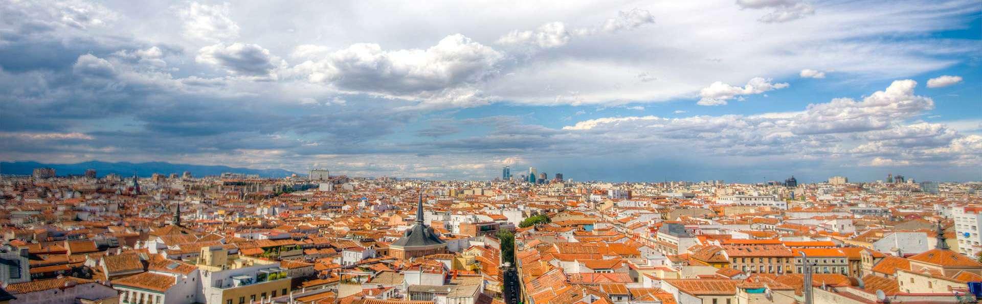 ¡De Madrid al cielo! Romanticismo en Malasaña cercano a la Gran Vía con desayunos, bombones y más.