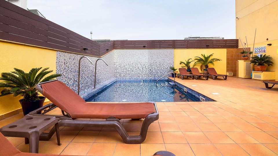 Hotel Neptuno Calella - EDIT_N2_TERRACE.jpg