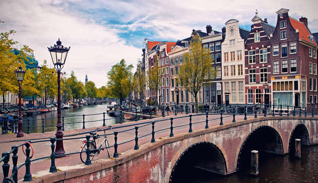 Découvrez les plus beaux quartiers d'Amsterdam à vélo