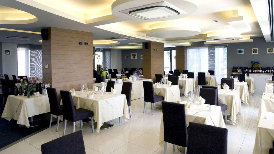 Hotel Resort Villa Luisa & Spa - Edit_Restaurant.jpg