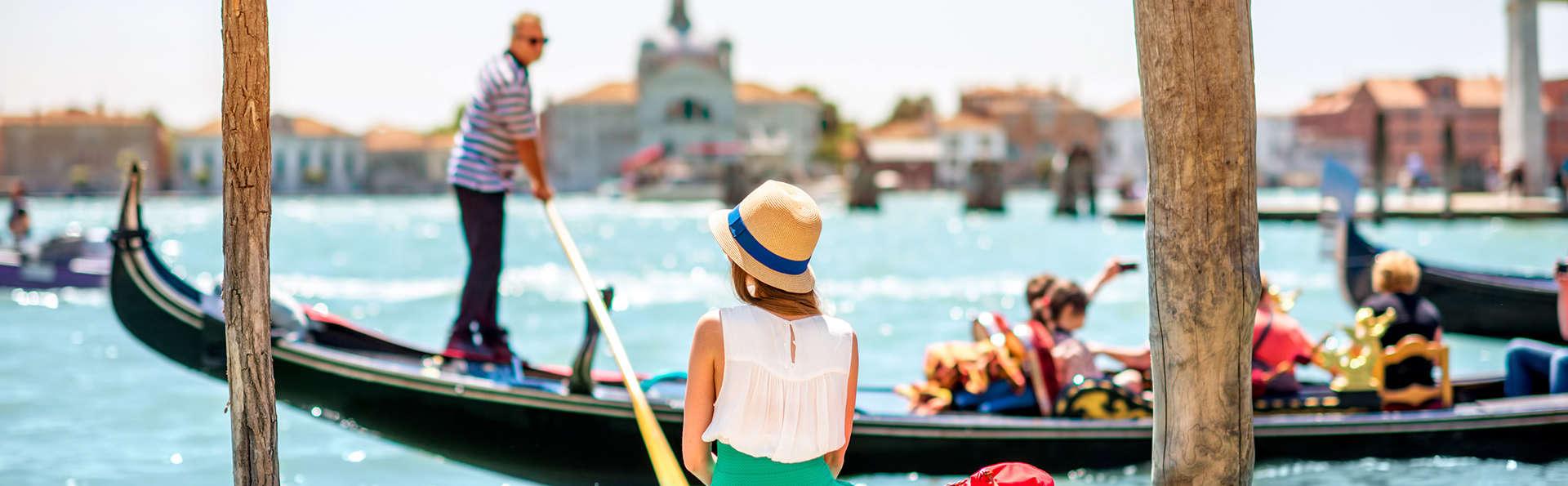Séjour incontournable avec apéritif en gondole au cœur de Venise