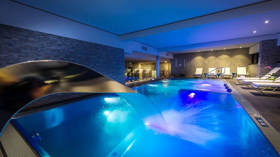 Hotel Strasbourg Athena Spa - EDIT_NEW_POOL_02.jpg