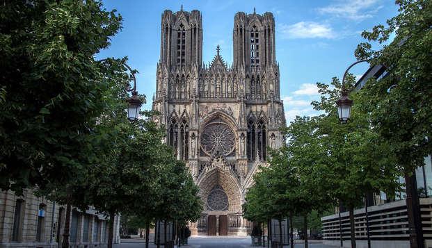 Romantisme avec champagne et mignardises au cœur de Reims