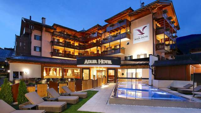 Todo Incluido! Noche de estancia, media pensión y spa con vistas a los Dolomitas