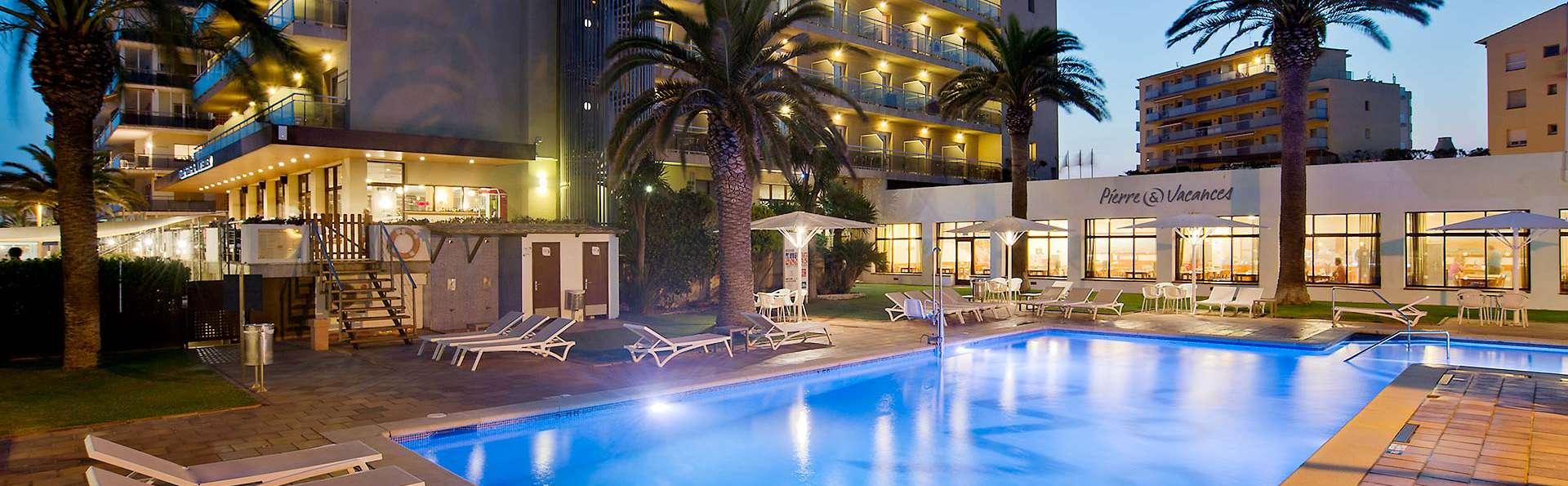 Hotel Monterrey Roses by Pierre & Vacances - EDIT_N2_POOL_01.jpg