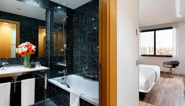 Hotel SB Icaria Barcelona - N BATHROOM