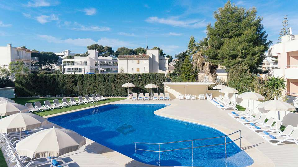 THB María Isabel (Adults Only) - EDIT_POOL_02.jpg