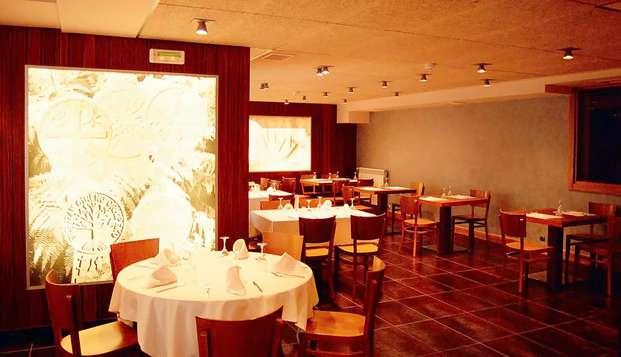 Escapada con Cena en Aurizberri-Espinal, a un paso de Francia